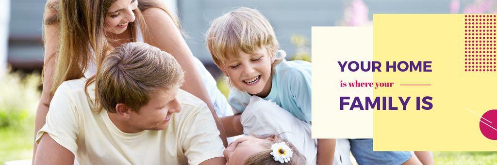 Family having fun outdoors — Créer un visuel