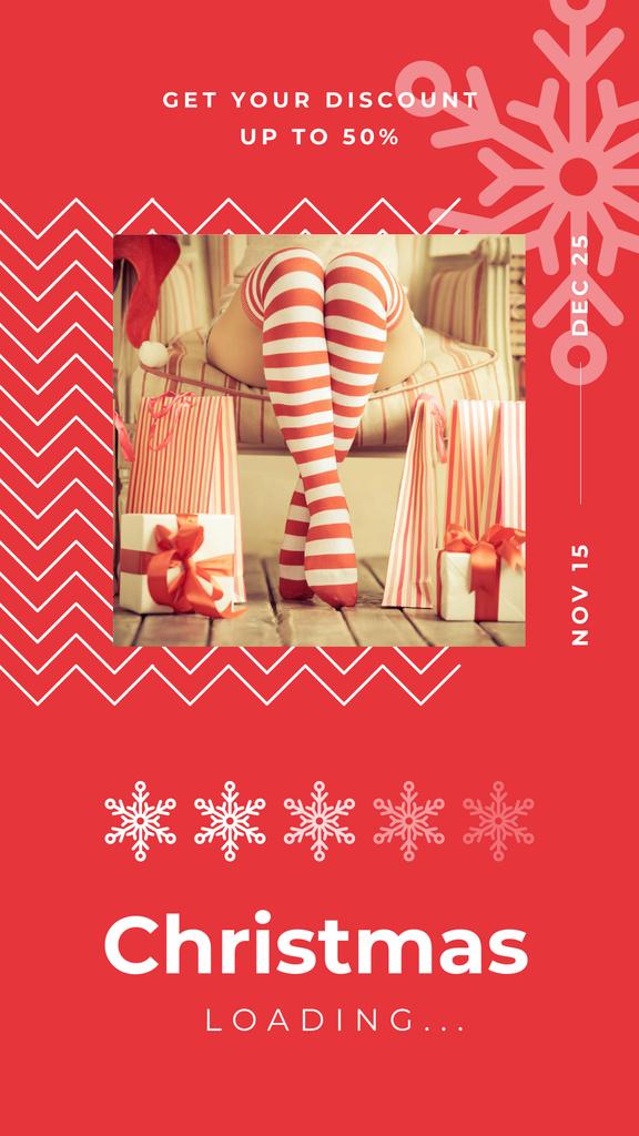 Plantilla de diseño de Woman with Christmas gifts Instagram Story