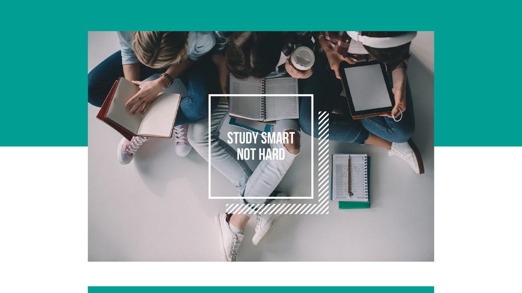 Students studying in class — Créer un visuel