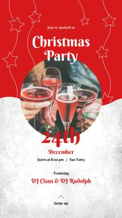 Template di design People toasting with champagne on Christmas Party Instagram Story