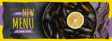 Mussels served with lemon