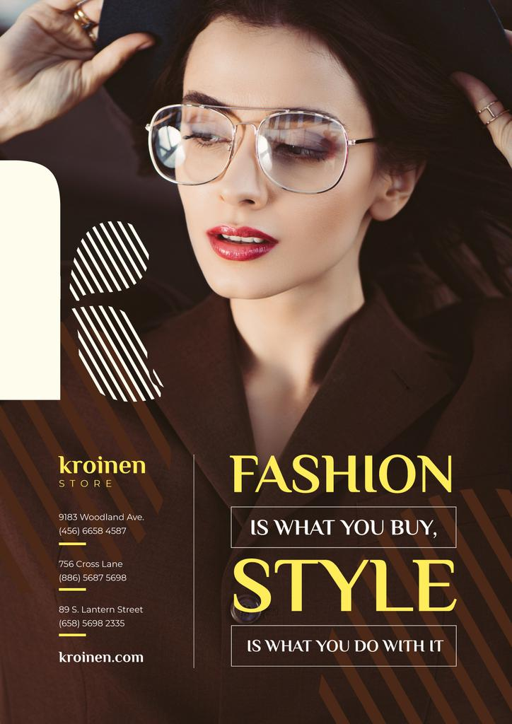 Fashion Store Ad with Woman in Brown Outfit — Créer un visuel