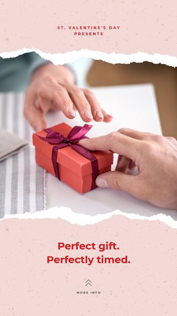 Ontwerpsjabloon van Instagram Story van Man giving woman Pretty Gift box on Valentine's Day