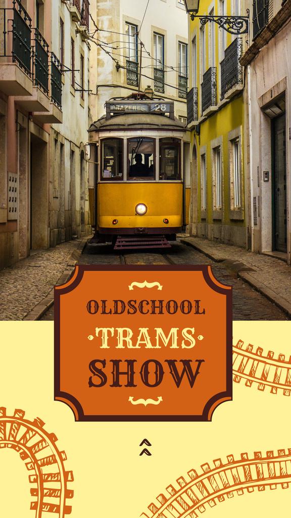 Yellow tram on city street — Modelo de projeto