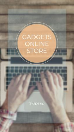 Modèle de visuel Gadgets Store ad with laptop at workplace - Instagram Story