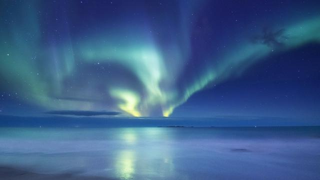Plantilla de diseño de Night Sky with Northern Lights Zoom Background