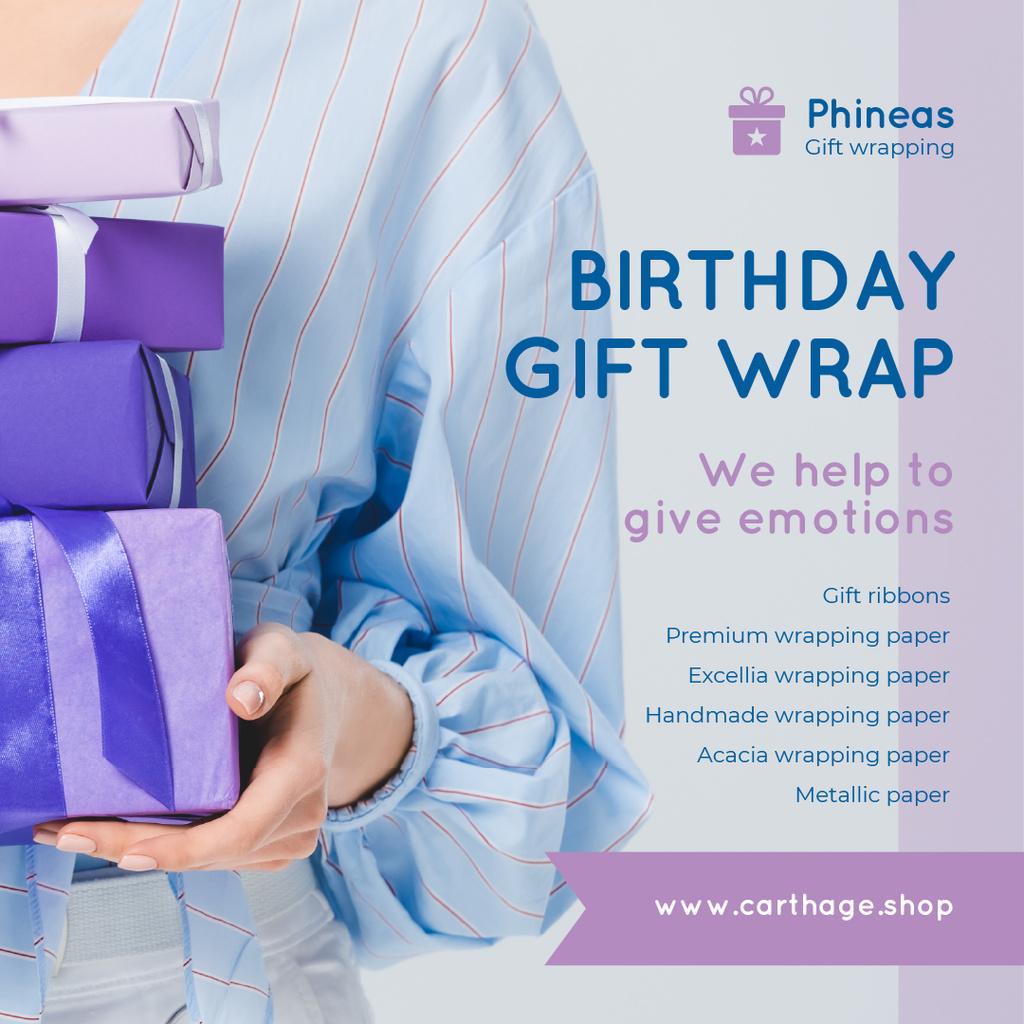 Gift Wrap Offer Woman Holding Presents — Crear un diseño