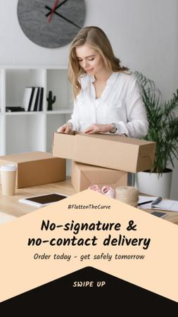 Plantilla de diseño de #FlattenTheCurve Delivery Services offer Woman with boxes Instagram Story