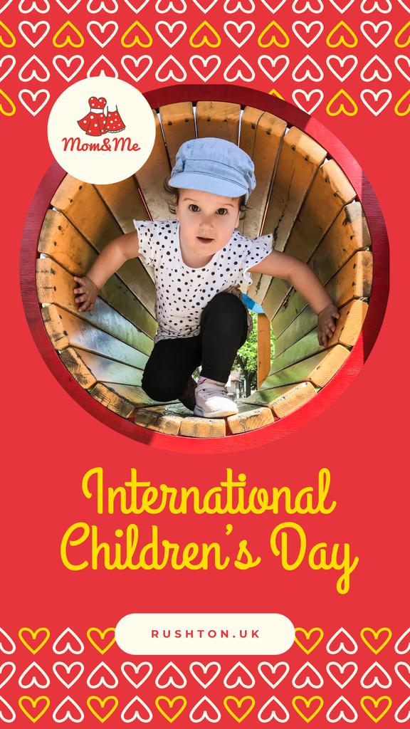 Little girl on playground — Modelo de projeto