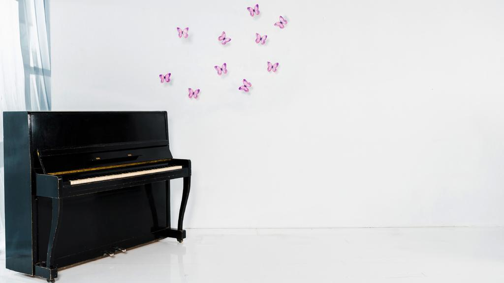 White room with Piano and Butterflies on Wall — Создать дизайн