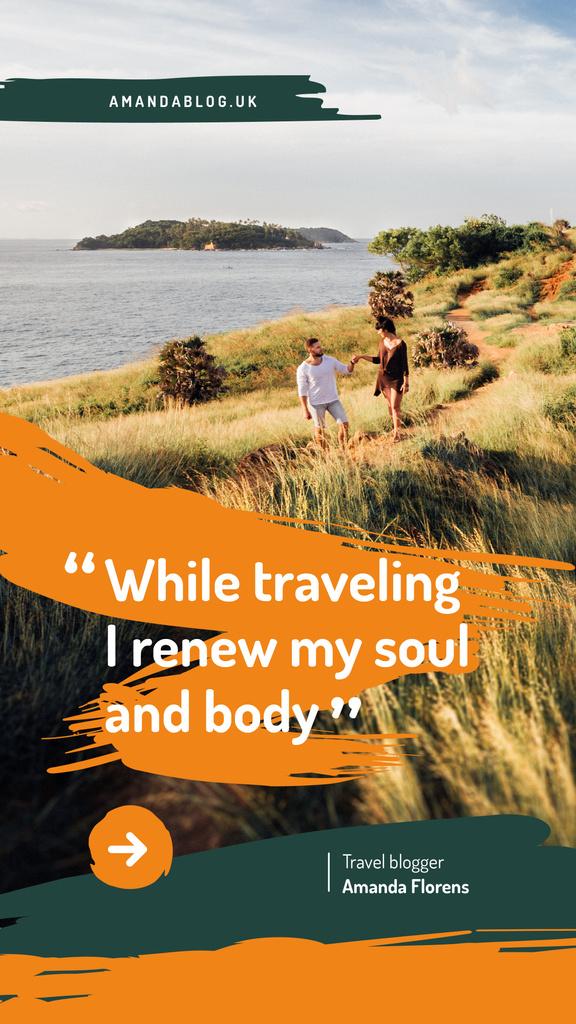 Couple walking at seacoast — Створити дизайн