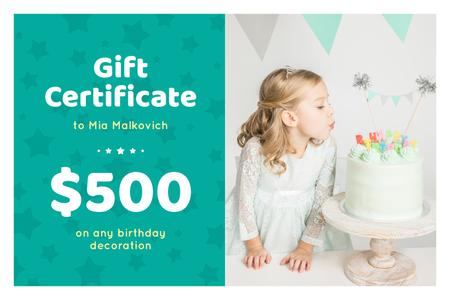 Ontwerpsjabloon van Gift Certificate van Birthday Offer with Girl Blowing Candles on Cake