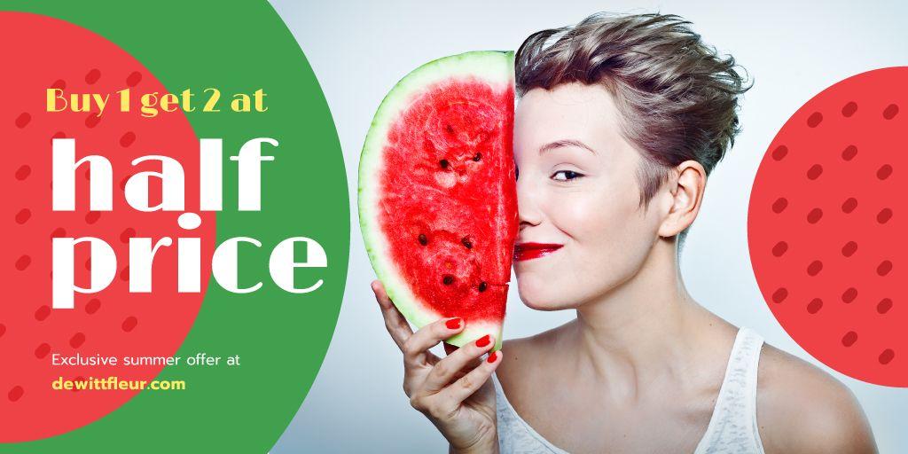 Woman holding piece of watermelon – Stwórz projekt