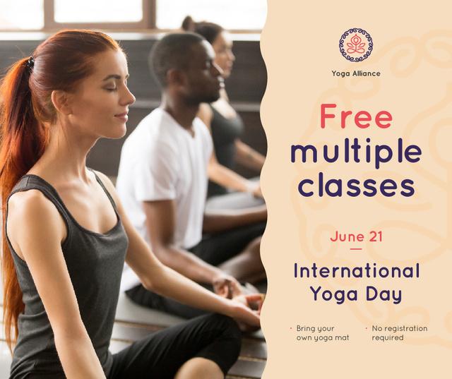 Modèle de visuel People practicing on Yoga day - Facebook