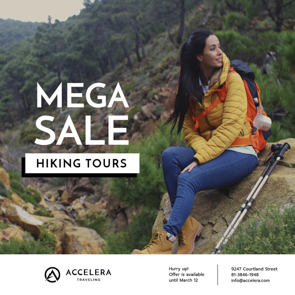 Hiking Tour Offer Woman in mountains — Maak een ontwerp