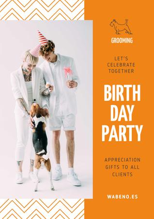 Birthday Party Annoucement with Couple with Dog Poster Modelo de Design