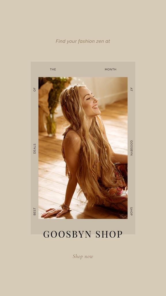 Template di design Fashion Shop Offer with smiling Woman Instagram Story