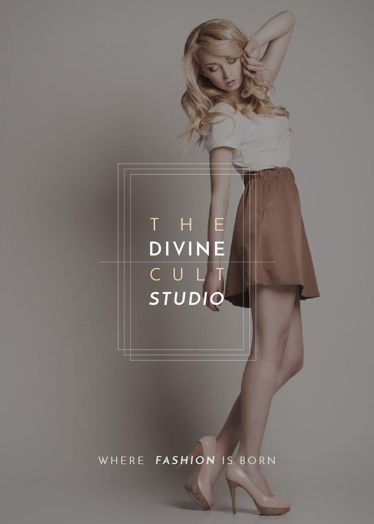 Fashion Studio Ad Blonde Woman in Casual Clothes — Crea un design