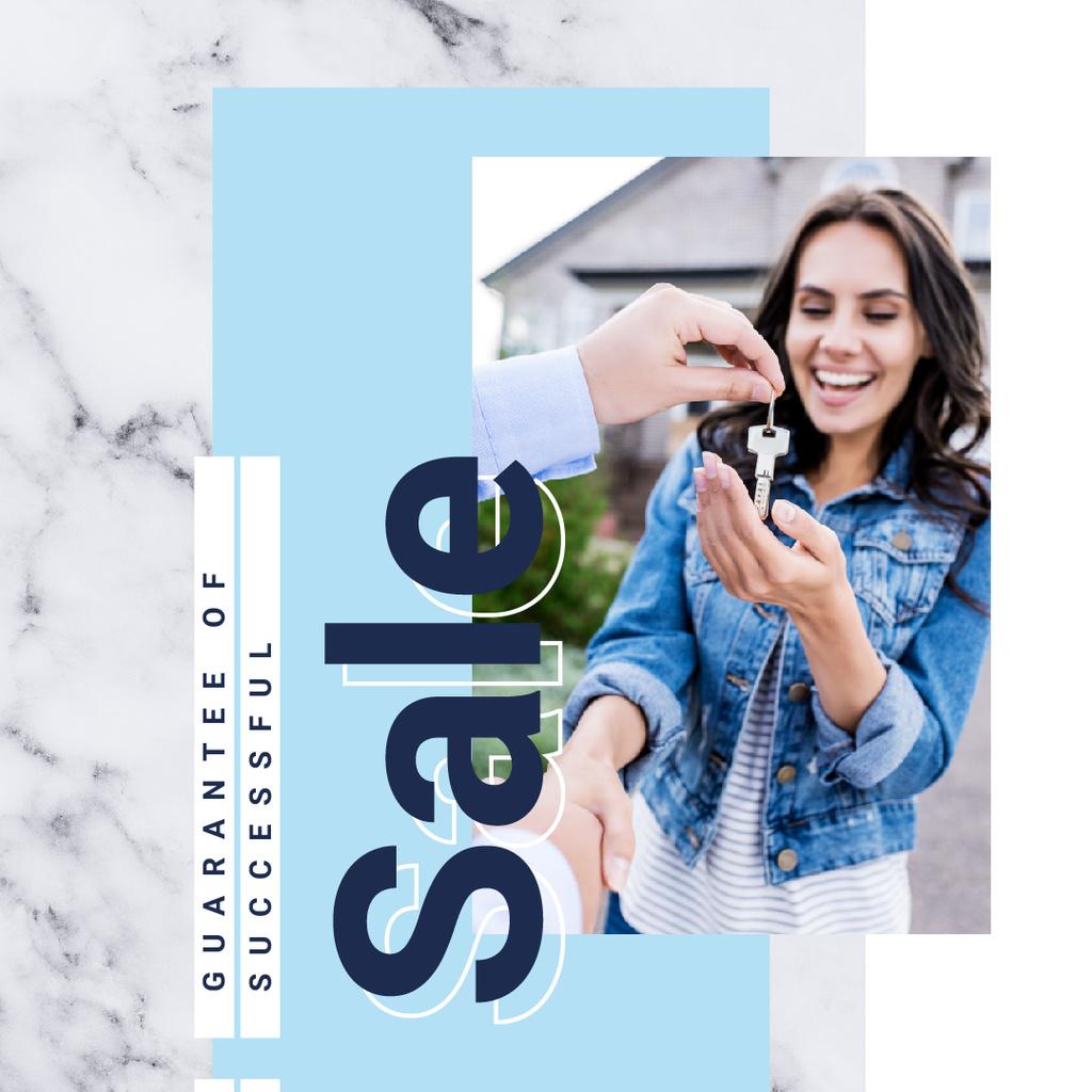 Woman receiving keys from agent — Modelo de projeto