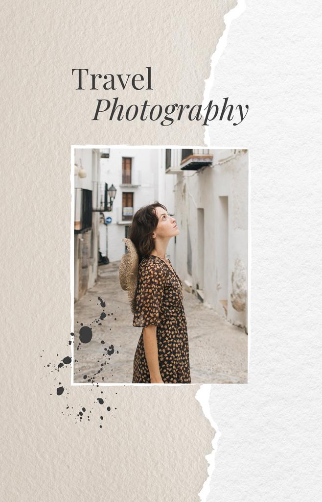 Ontwerpsjabloon van IGTV Cover van Girl walking in old city