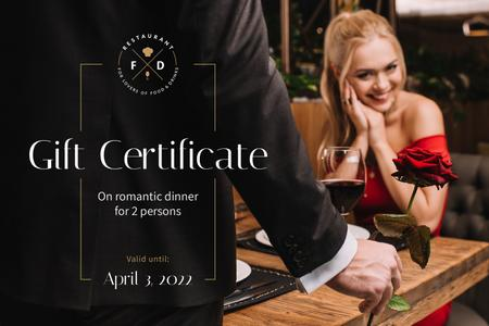 Ontwerpsjabloon van Gift Certificate van Dinner Offer with Romantic Couple in Restaurant