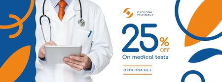 Clinic Promotion with Doctor with Stethoscope Facebook cover Modelo de Design