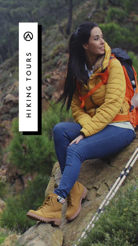 Hiking Tour Offer Woman in Mountains — Modelo de projeto