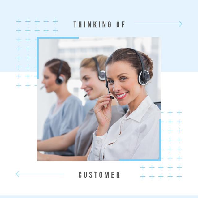 Women working in customer's support Instagram AD Modelo de Design