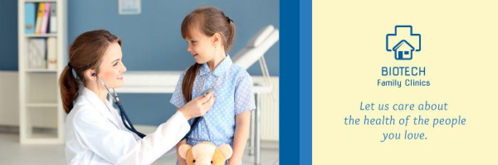 Kids Healthcare Pediatrician Examining Child | Email Header Template — Modelo de projeto