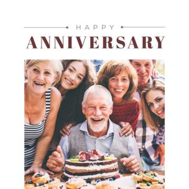 Plantilla de diseño de Happy Family Celebrating Anniversary Photo Book