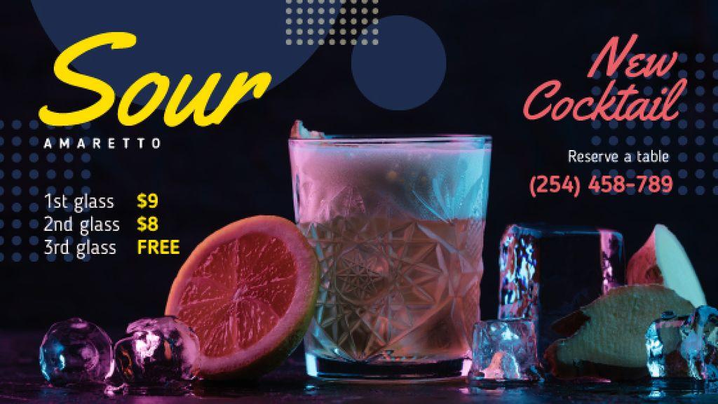 Cocktail Offer Glass with Drink and Citrus — Créer un visuel
