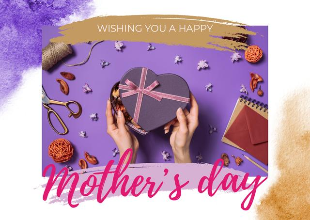 Plantilla de diseño de Mother's Day Greeting with Heart-Shaped Gift Box Card