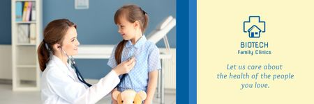 Kids Healthcare with Pediatrician Examining Child Email header Modelo de Design