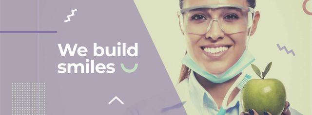 Dental Clinic Doctor holding apple Facebook cover Modelo de Design