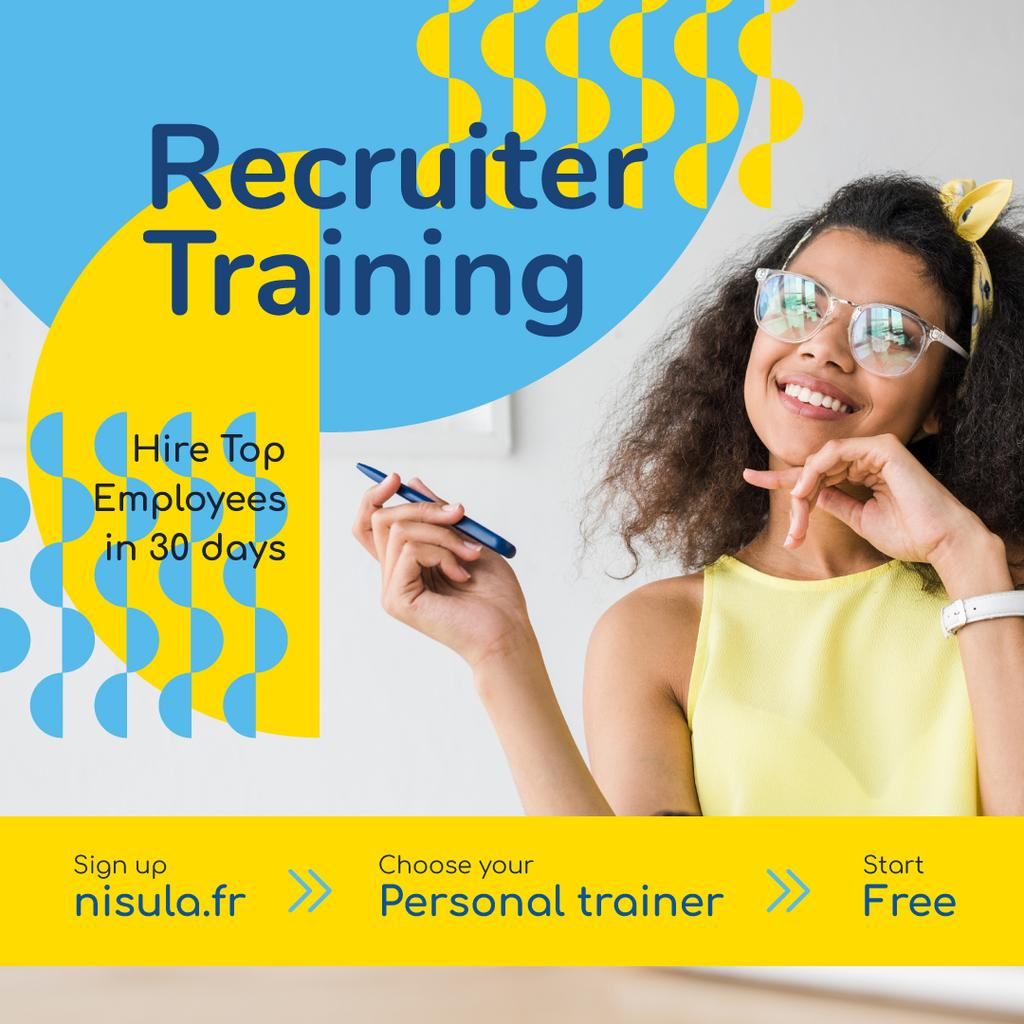 Business Training Courses Smiling Girl in Glasses | Instagram Post Template — Crear un diseño