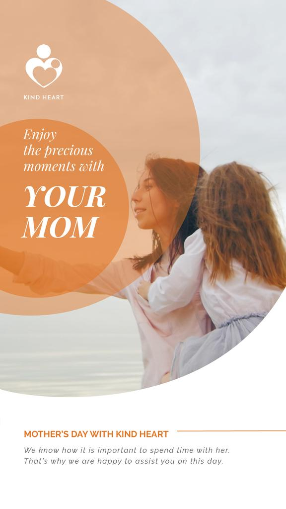 Mother's Day with Mom and Daughter by the Sea — Créer un visuel