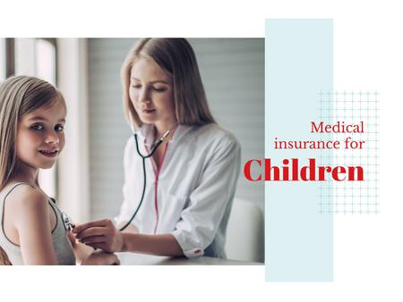 Pediatrician examining child Presentation Modelo de Design