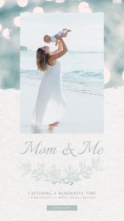Ontwerpsjabloon van Instagram Video Story van Mother's Day Mom with Baby by Sea