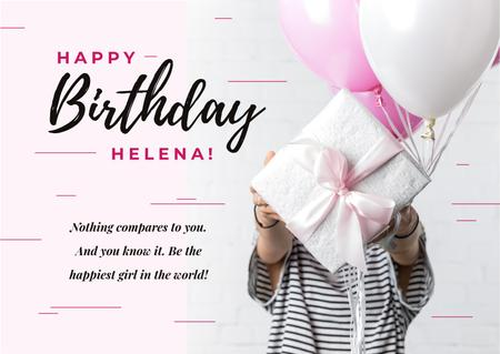 Plantilla de diseño de Holding birthday gift Card