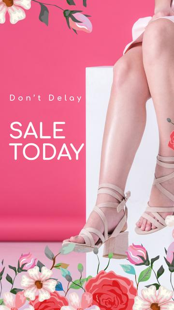 Plantilla de diseño de Fashion Sale Woman in Heeled Shoes Instagram Story