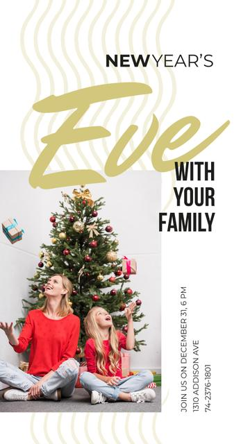 Family sharing Christmas gifts Instagram Story Design Template