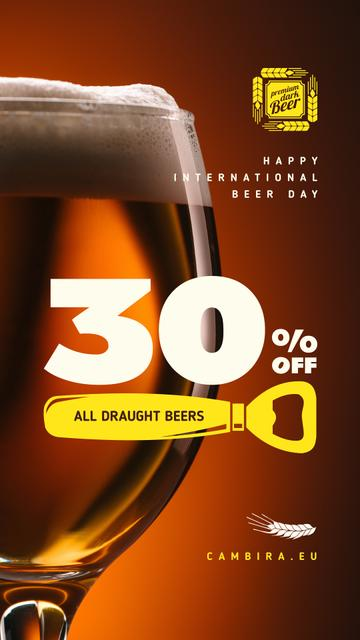 Plantilla de diseño de Beer Day Offer Draft in Chalice Glass Instagram Story