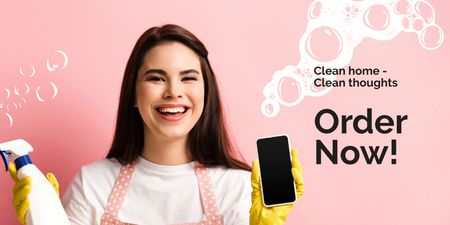Ontwerpsjabloon van Twitter van Smiling Cleaner with Detergent and Smartphone