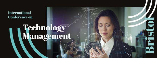 Modèle de visuel Businesswoman using smartphone - Facebook cover