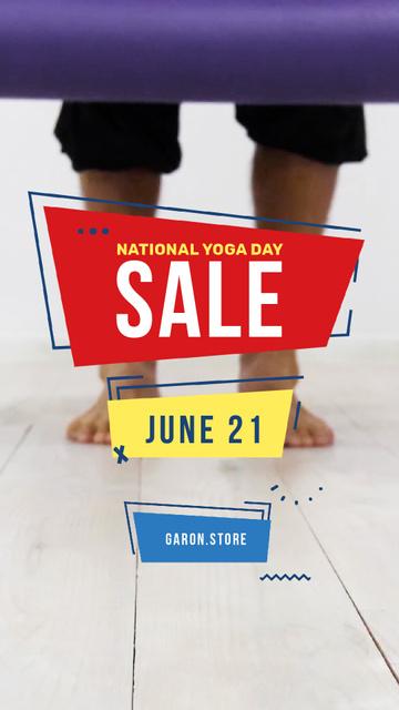 Yoga Day Sale Unrolling Yoga Mat Instagram Video Storyデザインテンプレート