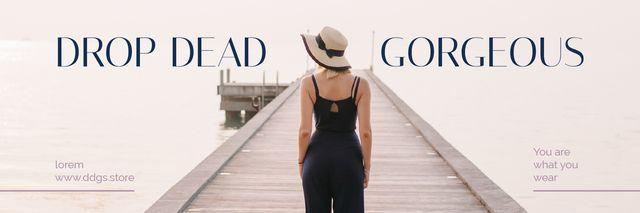 Ontwerpsjabloon van Twitter van Fashion Ad Woman in Black Clothes at Pier