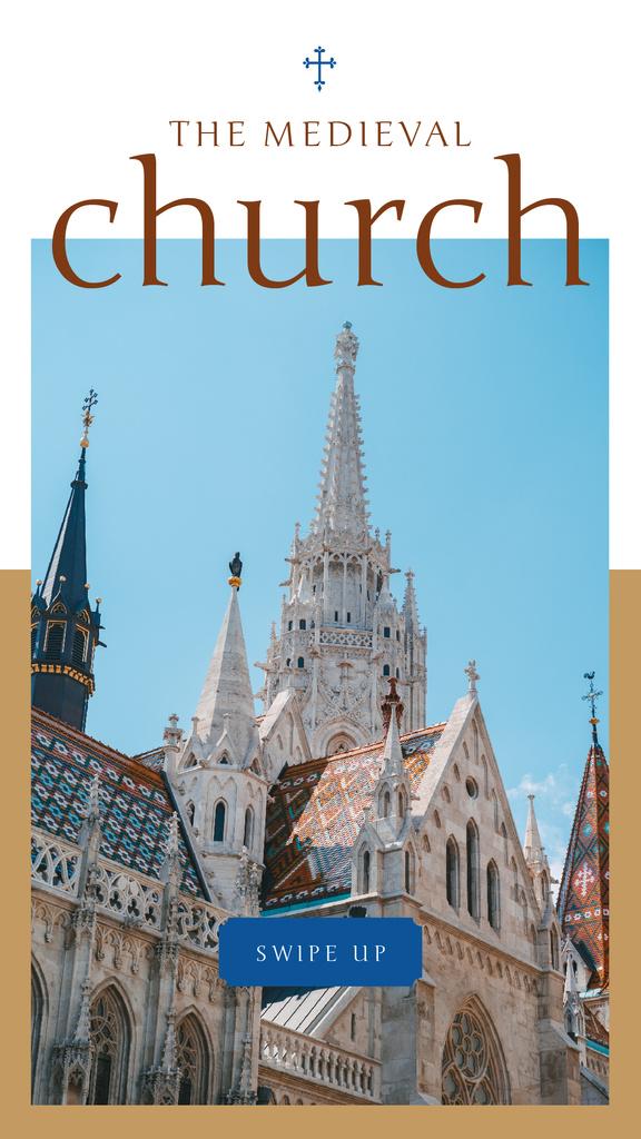 Facade of Medieval Church with Cross — Modelo de projeto