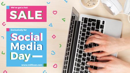 Ontwerpsjabloon van FB event cover van Social Media Day Sale hands typing on Laptop