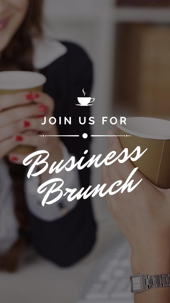 Business Women holding Coffee cups — Crear un diseño