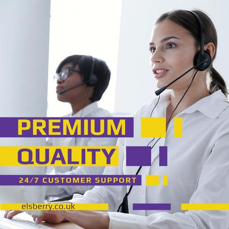 Customers Support with Smiling Assistant in Headset Animated Post Modelo de Design
